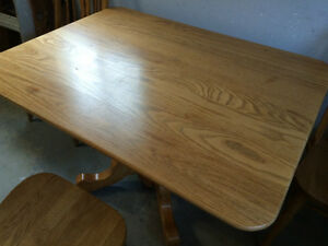 Oak Table and 3 chairs / Antique Table with leaf and 4 chairs