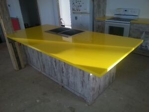 Comptoir unique en epoxy sur mesure, Quartz, Marbre, Corian