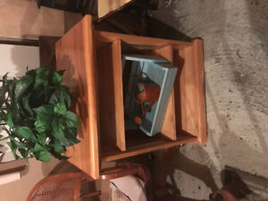 Wooden Microwave/Kitchen Cart in Excellent Condition on Wheels