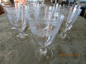 *STUNNING* Gobelet-Style – Set of 16  Wine Glasses *Barely Used* West Island Greater Montréal image 1