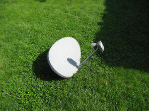 Shaw Satellite Dish with 4 inlets
