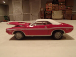 Loose Panther Pink 1970 '70 DODGE CHALLENGER R/T by JOHNNY LIGHT Sarnia Sarnia Area image 3