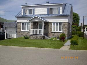 Maison en pierres,cottage,Shawinigan(grand-mère).430 16e ave.EST
