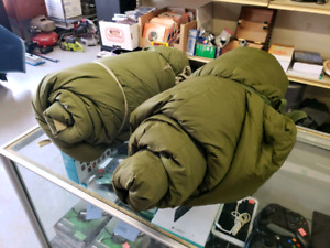 Military Grade Sleeping Bag with Cover.