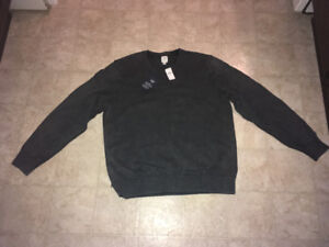 Men's Gap Sweater new with tags never worn size XL