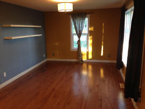 Entire House for Rent - 2 Bdrm + Den near Whyte Ave - Feb 15