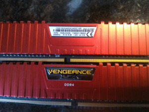 Corsair Vengeance LPX DDR4 2x8 GB 2400MHz red