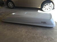 Thule Cascade cargo carrier Model #678XTS with small crack