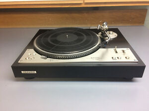 Pioneer PL- 530 turntable