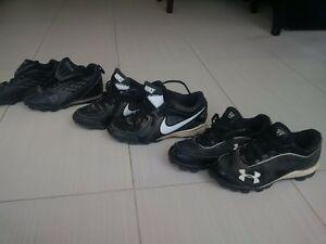 souliers de baseball enfants
