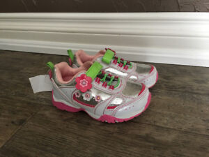 Girls Size 9 Athletic Works Light Up Shoes - brand new with tags