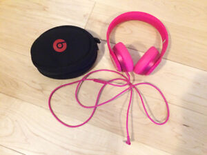 Beats Girls Headphones and Case. Excellent Condition $70