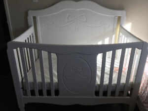 Princess converted baby crib include mattress (move sell)