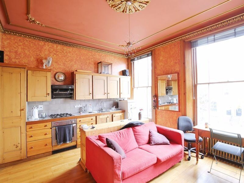 1 DOUBLE BEDROOM APARTMENT IN HOLLOWAY