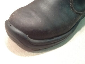Chunk heel Blundstones wanted black 491 regular boot not safety