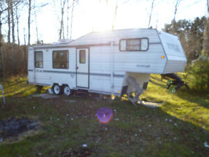 27. FT. FIFTH WHEEL RUSTLER BY TRAVELAIRE TRAILER