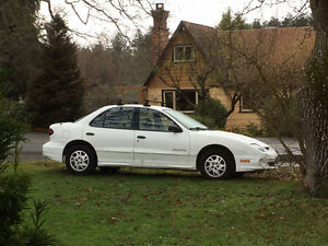 2002 White Pontiac Sunfire - In Excellent Condition, Low Kms!