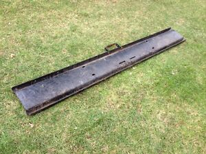 FRONT BUMPER FROM 1977 INTERNATIONAL LOADSTAR 1850 Windsor Region Ontario image 3