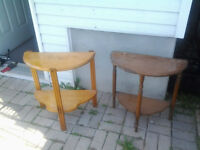 2 tables antique en demi lune