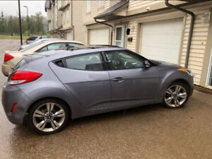 2016 Hyundai Veloster - Tech package - one owner