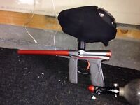 Mini GS paintball gun like new and auto feed hopper