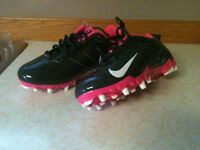 NIKE SPEED CLEATS
