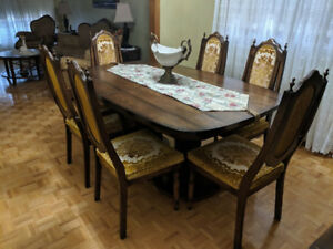 ESTATE FURNITURE FOR SALE (DINNING ROOM SET)