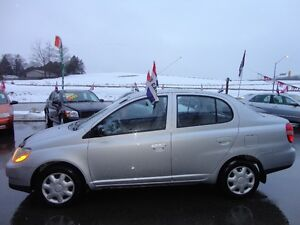 2000 Toyota Echo Sedan E-TESTED & CERT Kitchener / Waterloo Kitchener Area image 4
