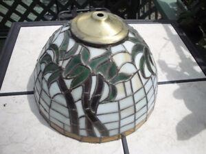 abat-jour artisanale de style Tiffany
