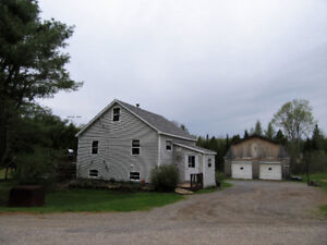 4 Bedroom, Garage, Pond.... Near Belleisle Bay