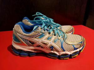 NEW Asics Gel Nimbus 16 - Women's size 7