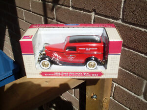 Canadian Tire Corp 1934 Die-Cast Delivery Van / Bank *NEW*