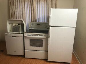 4 piece white kitchen appliance fridge stove dishwasher hood