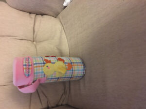 Thermos to keep baby's bottle warm