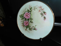 HAND PAINTED, GOLD TRIMMED DECORATIVE PLATE