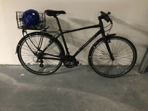 ALL-INCLUSIVE Giant commuter bike *Barely used!*