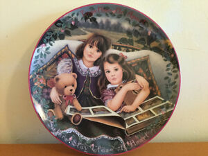 "Kindred Moments Plate ""Close at Heart"" with Box and Certif"