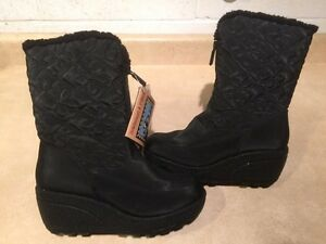Women's Wild Country Winter Boots Size 6 M London Ontario image 1