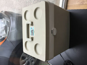 SMALL ELECTRICAL COOLER 12V LUNCH SIZE