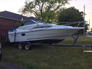 Thundercraft Magnum 220 with Trailer - Perfect Boat for a Family