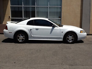 2000 FORD MUSTANG /WHITE/ V6 /AUTOMATIC /$1500.