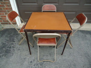 FOLDING CARD TABLE + 4 CHAIRS
