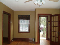 Downtown House for Rent (close to Queens/KGH/HDH)