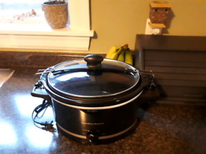 Crock pot for sale. Never been used.