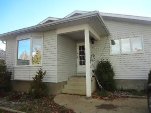 BIG BEAUTIFUL HOME FOR RENT, ALL INCLUSIVE!! GREAT FOR WORK CREW
