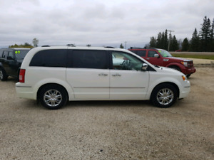 2008 Chrysler Town & Country Limited 4.0 V6 $6,900...
