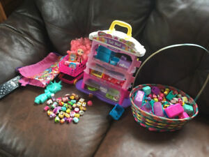 A BUNCH OF SHOPKINS!!!