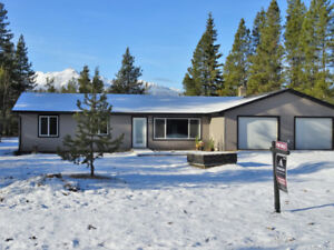 House for Sale in Valemount BC! Fully Renovated!