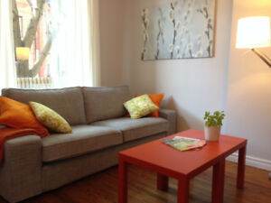 Stylish FURNISHED 1 Bdrm + Den in Trendy Leslieville - Avail Now