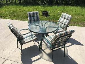 4 Place Round Glass-topped Patio Set